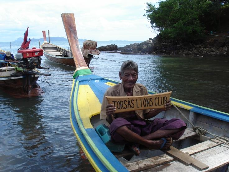 2.Medicinmannen Sicken med båten som skänktes av Torsås Lions 2005-11[1]