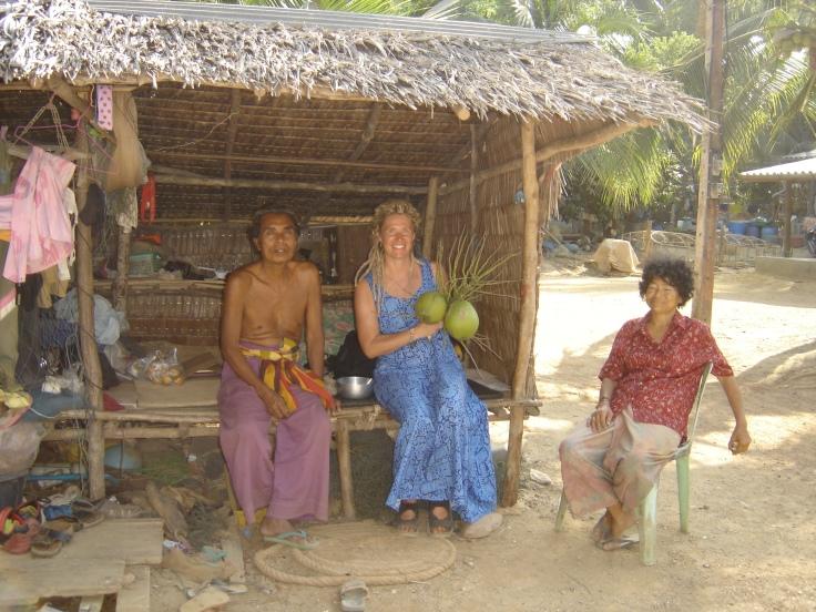 4.Jag tillsammans med Pina och Rudon i byn Sangka-U på Ko LAnta 2005-2-16[2]